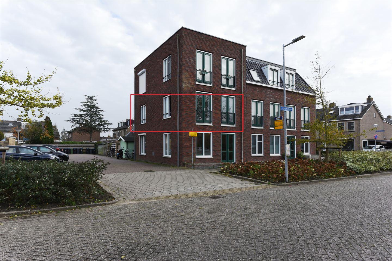 Bekijk foto 1 van Bernhardstraat 22