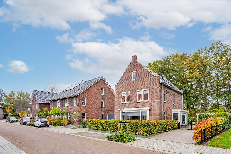Bekijk foto 2 van Burg. Colijn- de Raatsingel 12
