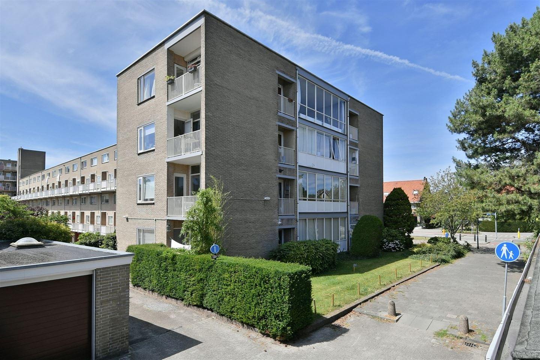 Bekijk foto 2 van Loosdrechtseweg 141