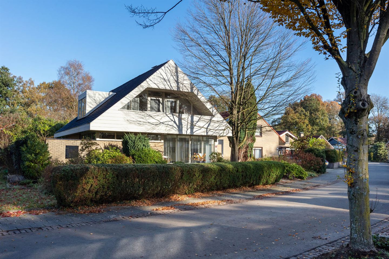 Bekijk foto 2 van Eduard van Beinumstraat 17