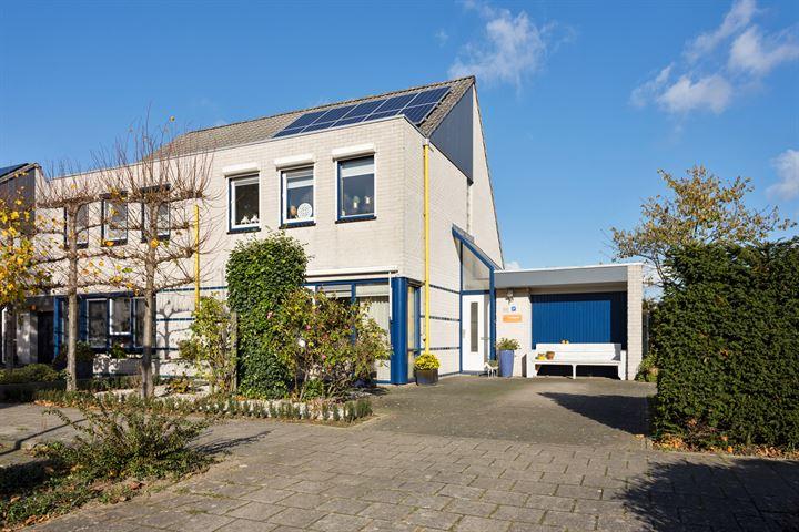 van Hoornlaan 37