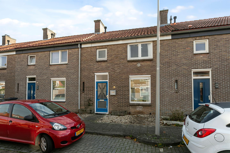 Bekijk foto 2 van Kruizemuntstraat 13