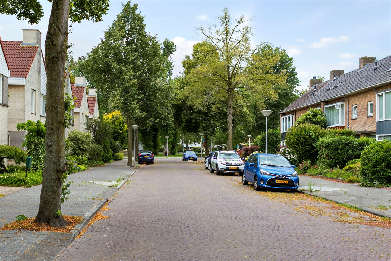 Bekijk foto 2 van van Wassenhovestraat 29
