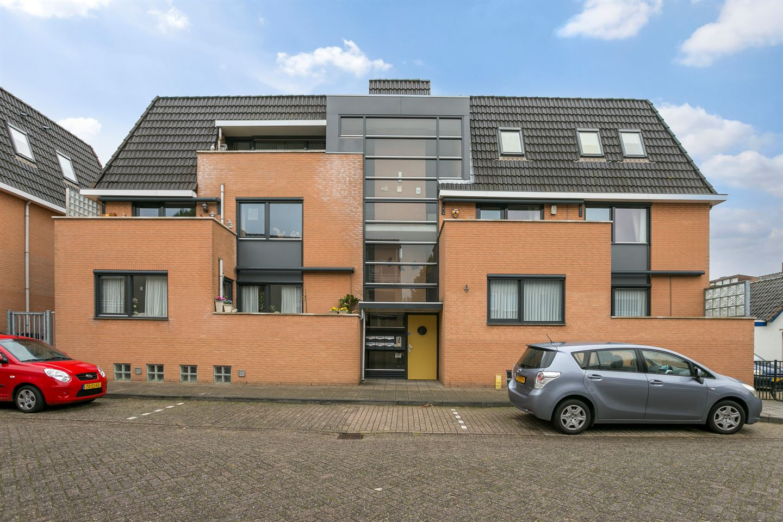 Bekijk foto 1 van van Meeuwenstraat 27