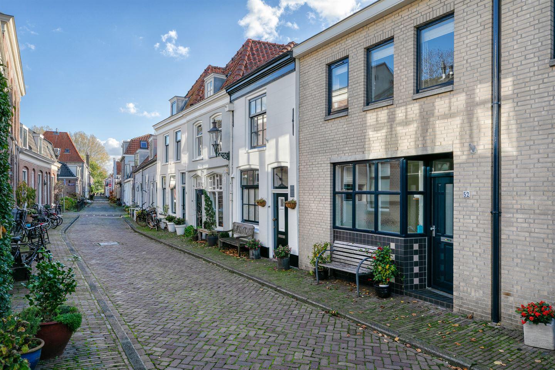 Bekijk foto 1 van Middenstraat 52