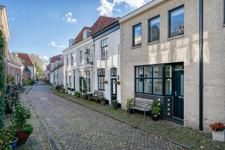 Middenstraat 52
