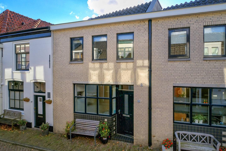 Bekijk foto 3 van Middenstraat 52