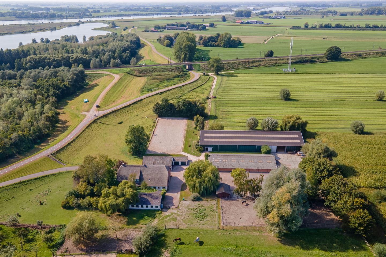 Bekijk foto 2 van Lekdijk 18