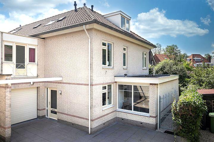 Lopikerhof 7
