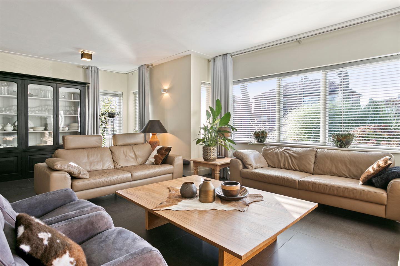 Bekijk foto 4 van Tilburgseweg 142