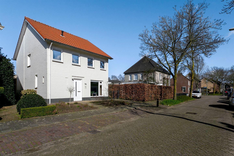 Bekijk foto 1 van Sint Lambertusstraat 44