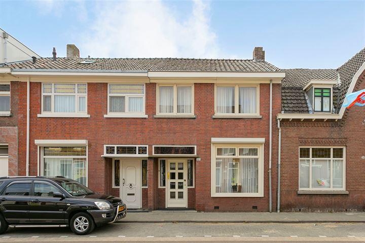 Hoefstraat 121