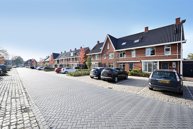 Bekijk foto 2 van Bernard Leenestraat 63