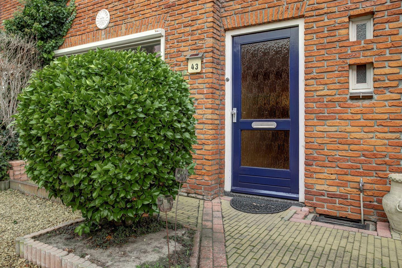 Bekijk foto 2 van Willem Kloosstraat 43