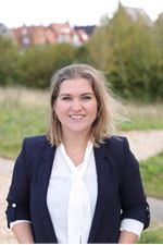 Angie Kennis-Siebelt (Sales employee)