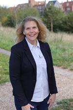 Eva Venema (Real estate agent assistant)