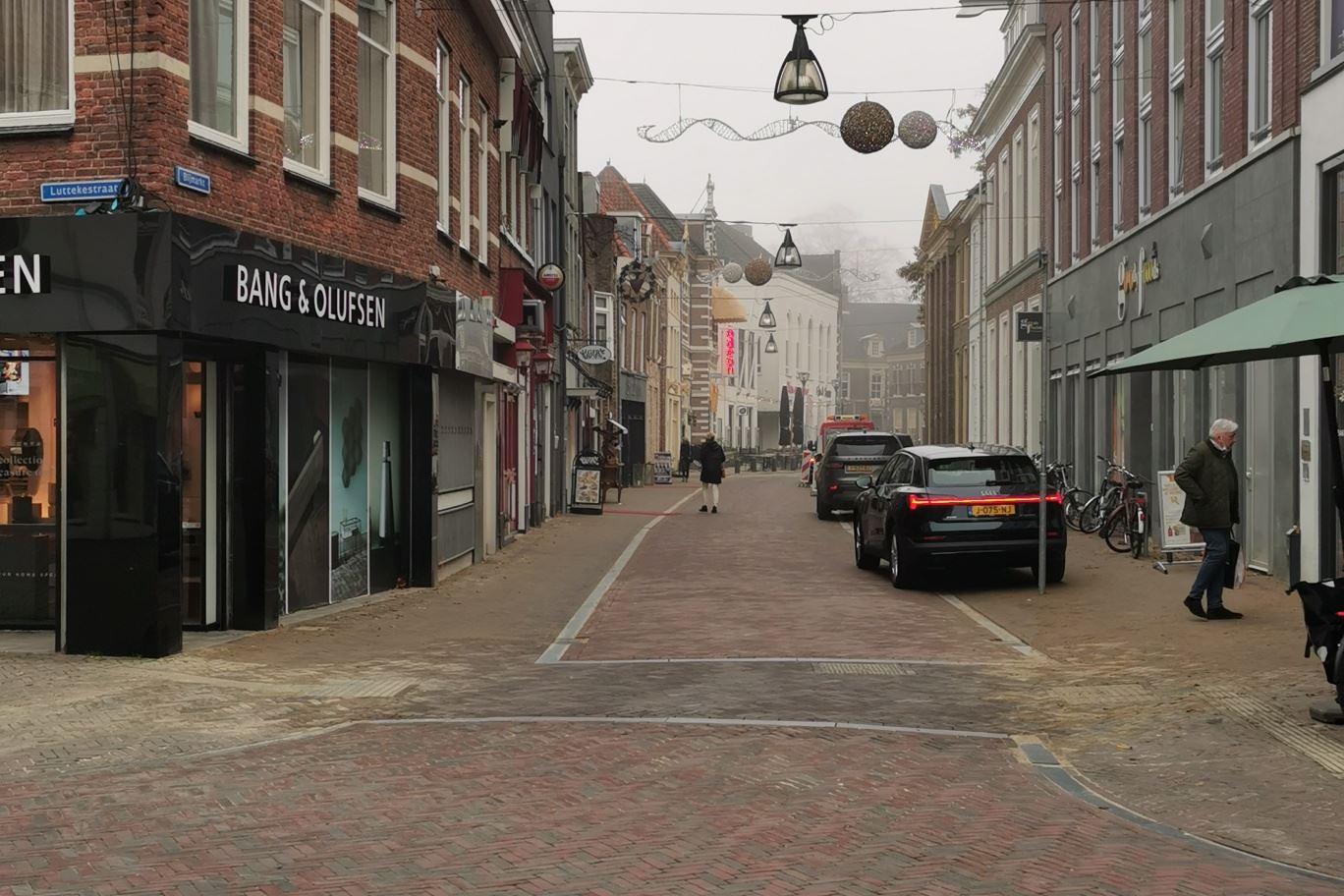 Bekijk foto 2 van Luttekestraat 29
