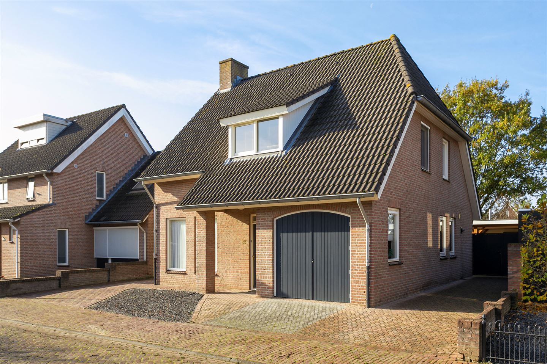 Bekijk foto 1 van Pastoor Strijboschstraat 22