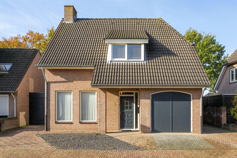 Bekijk foto 3 van Pastoor Strijboschstraat 22