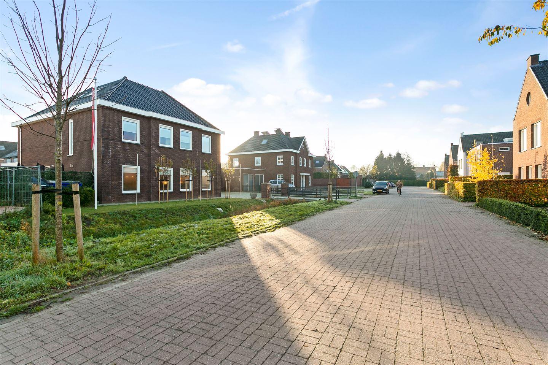Bekijk foto 3 van Herman Boerhaavestraat 4