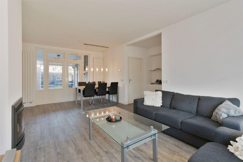 Bekijk foto 3 van Van Karnebeekstraat 3