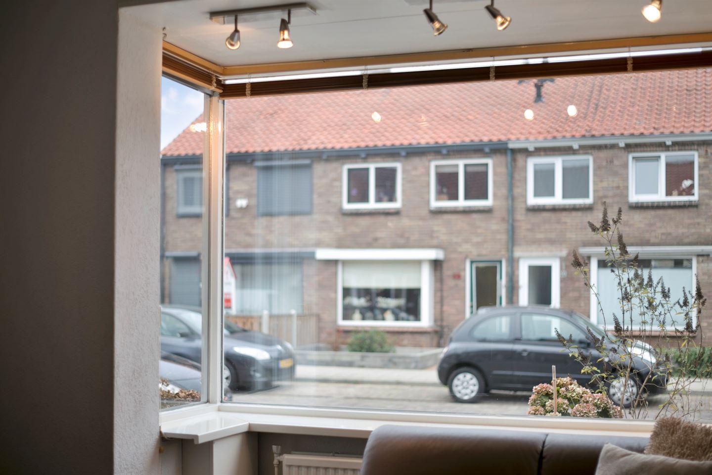 Bekijk foto 3 van Vermeerstraat 33