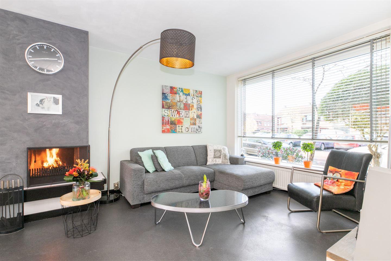 Bekijk foto 2 van Alexander Verhuellstraat 85