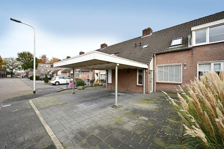 Bekijk foto 1 van Dirkslandstraat 18