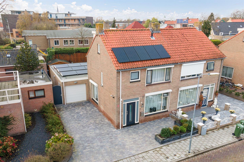 Bekijk foto 2 van Radermacherstraat 3