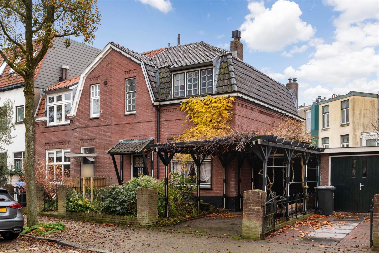 Bekijk foto 1 van Minister Elandstraat 8