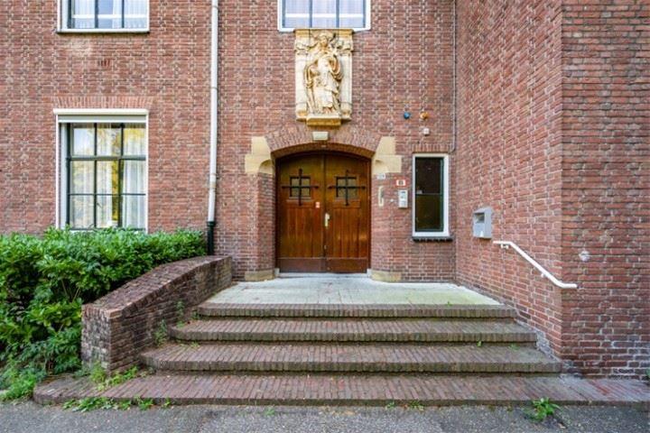 Bekijk foto 3 van Tilburgseweg 209