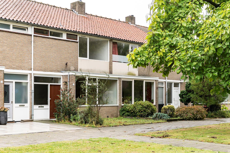 Bekijk foto 2 van Verbernestraat 10