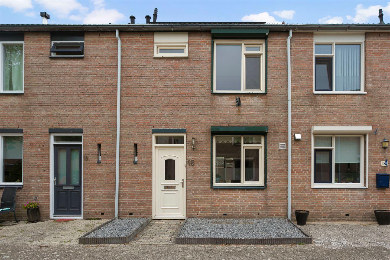 View photo 1 of Verkouterenstraat 15