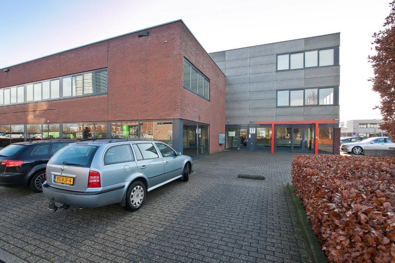 Bekijk foto 2 van Steenbokstraat 27