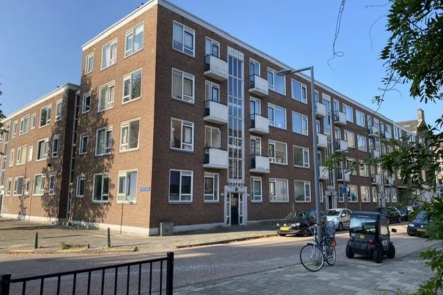 Bekijk foto 1 van Van Alkemadestraat 20