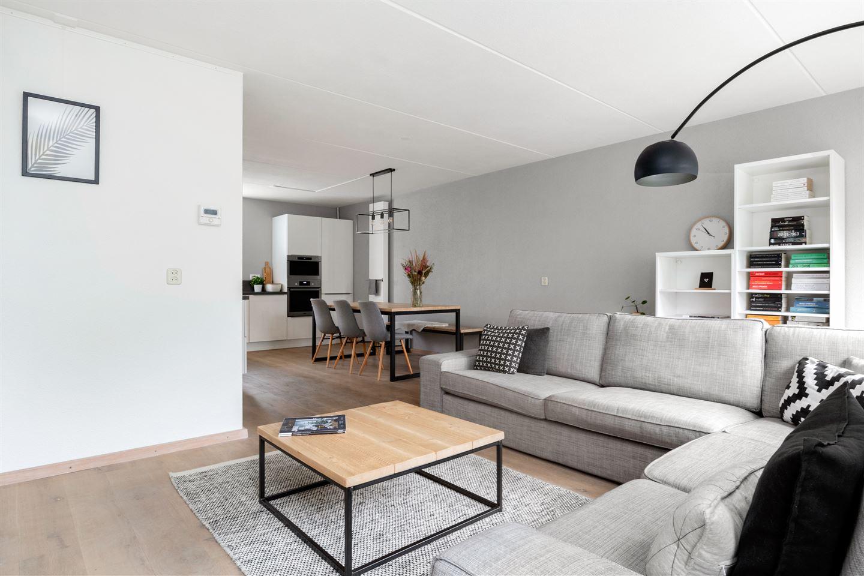 Bekijk foto 3 van Esbjergstraat 12