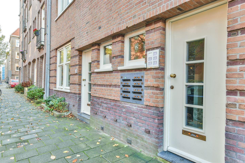 Bekijk foto 2 van Van Hogendorpstraat 887