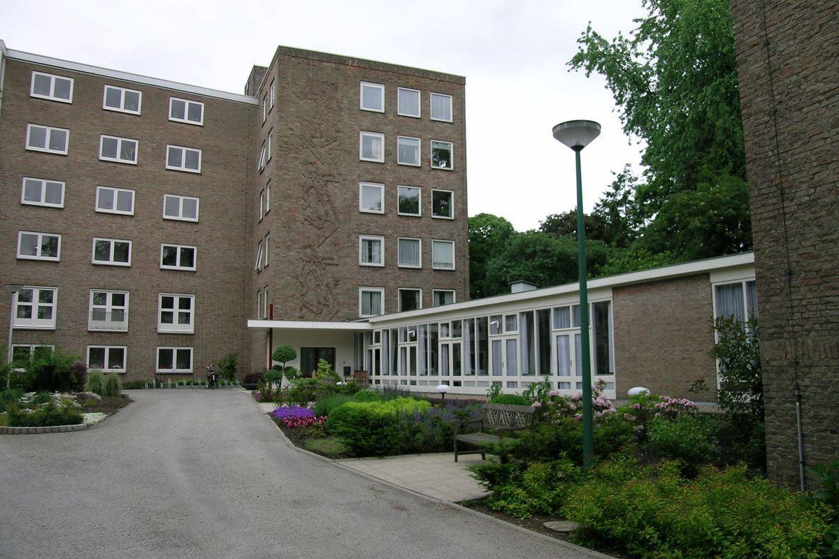 Bekijk foto 2 van Laan van Rijnwijk 1 A22