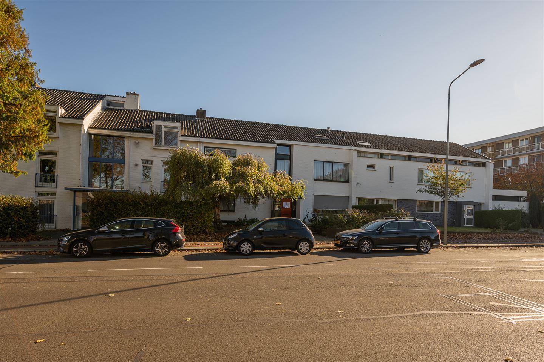Bekijk foto 1 van Dokter van Kleefstraat 27