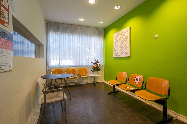 Bekijk foto 2 van Dokter van Kleefstraat 27