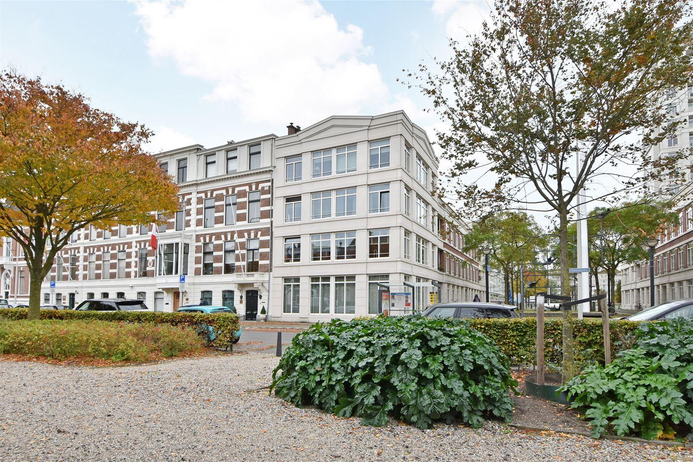 Bekijk foto 1 van Burgemeester De Monchyplein 4