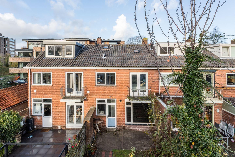 Bekijk foto 2 van Van der Helststraat 45