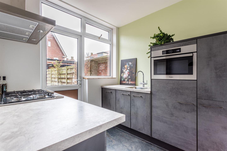 Bekijk foto 4 van Van der Helststraat 45