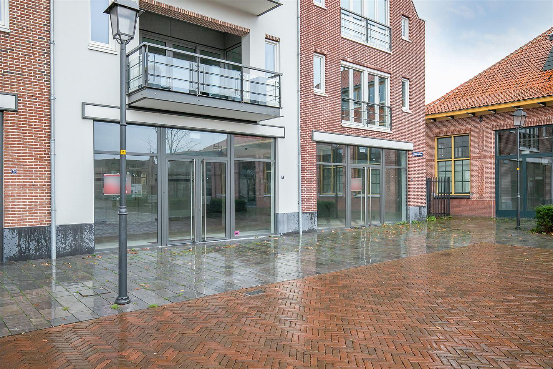 Bekijk foto 4 van Molenplein 3