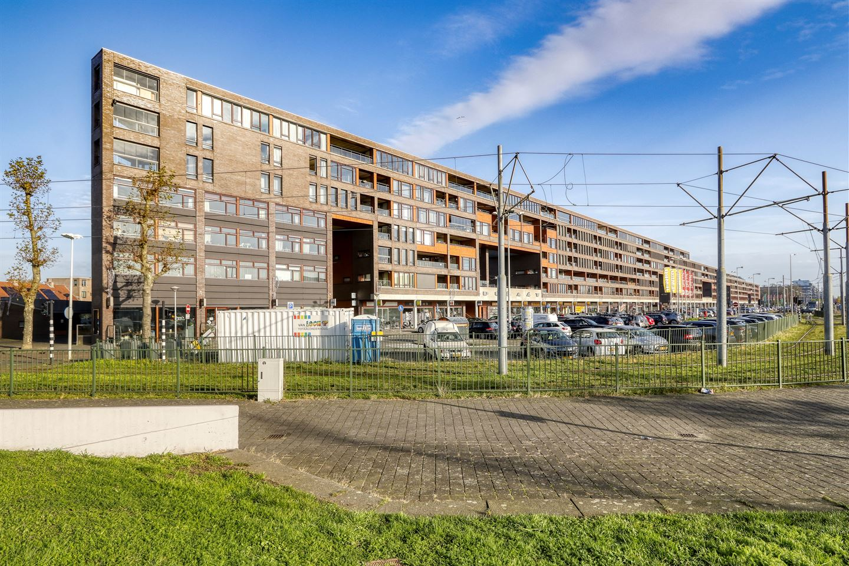 Bekijk foto 1 van Pieter Calandlaan 652