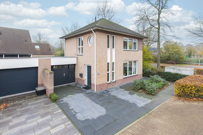 Bekijk foto 1 van Karolingenstraat 58