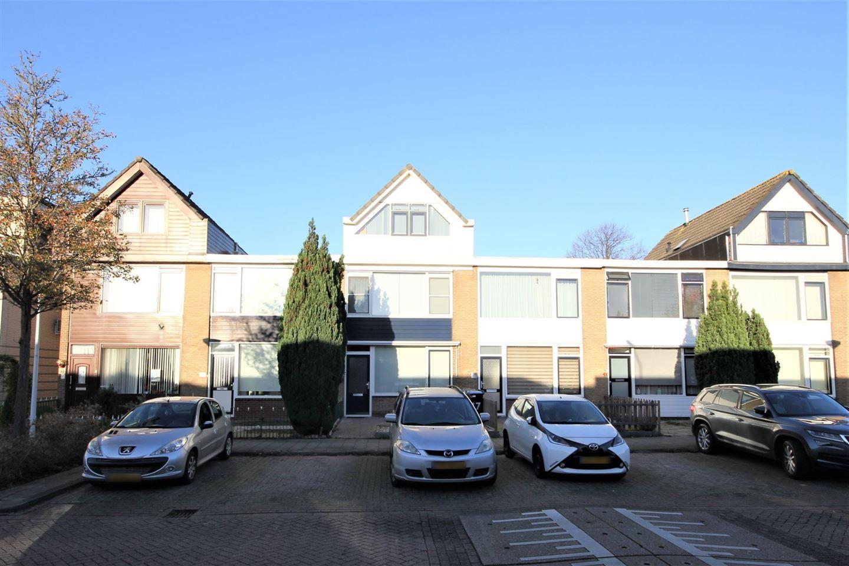 Bekijk foto 1 van Zonnebloemstraat 37