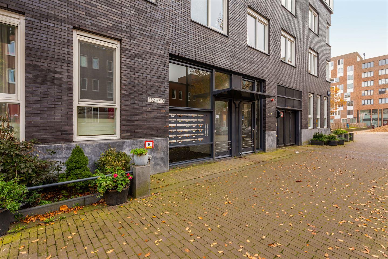 Bekijk foto 2 van Johan van der Keukenstraat 154