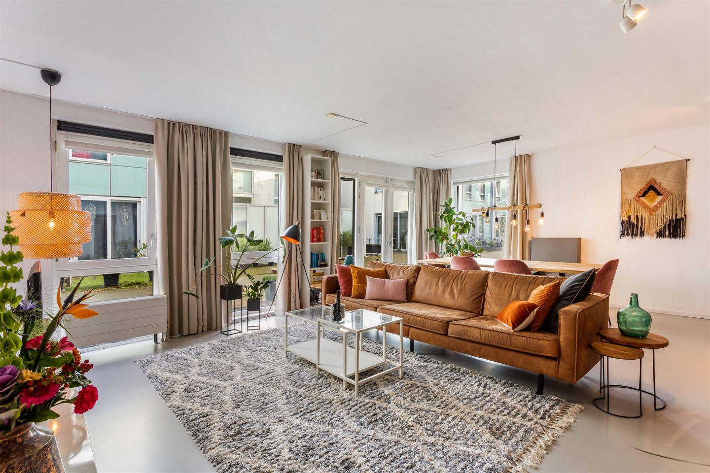 Bekijk foto 4 van Johan van der Keukenstraat 154