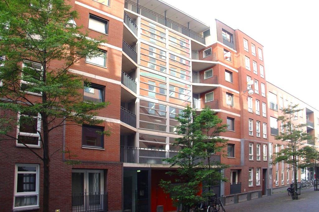 Bekijk foto 2 van Muzenstraat 102